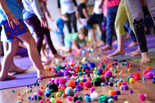 Free Kidding Around Yoga Family Class Townsville