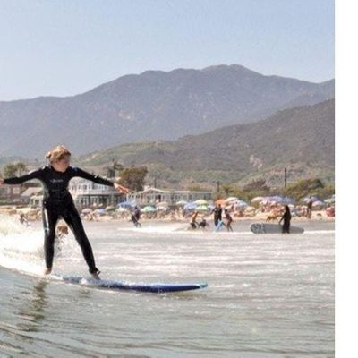XL Group Surf Lesson (2019-12-08 starts at 900 AM)