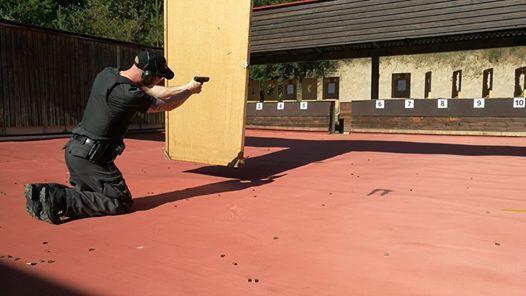 Vartijan ampuma-aseen kertauskoulutus