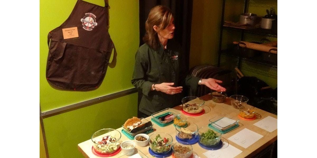 Cooking for the Week Chef Olive and Nutrition Consultant Lisa (Oakland) (2020-01-12 starts at 400 PM)