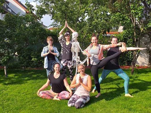 Yoga fr JEDEN-Teacher To Be mit Karin Kirchner