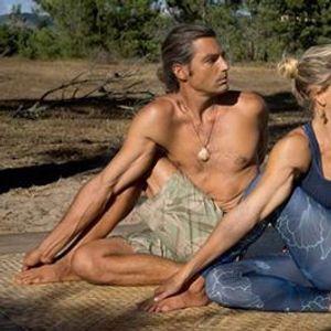 Ashtanga yoga with Lea Perfetti & Tarik Van Prehn